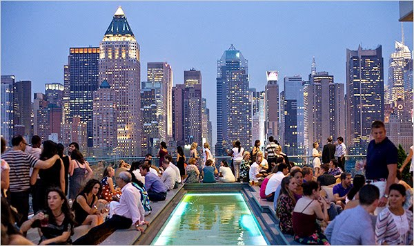 the-rooftop-bar-of-the-new-ink48-hotel