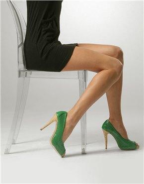 green shoes main