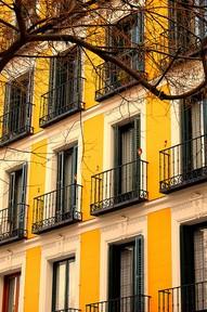 Bonjour Juane...Parisian architecture at its absolute best...