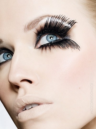 Model with exaggerated eyelaches.