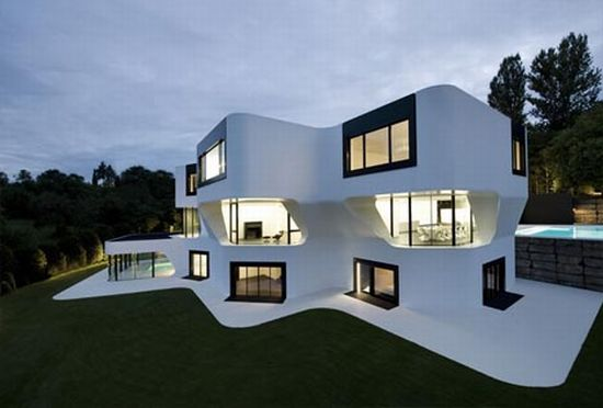 curved-modern-house_jwKYP_23522