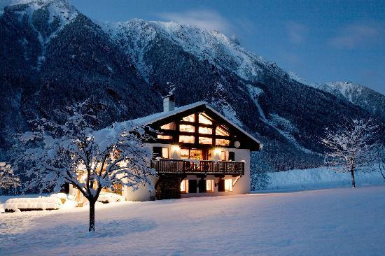 chalet-tissieres-in-winter