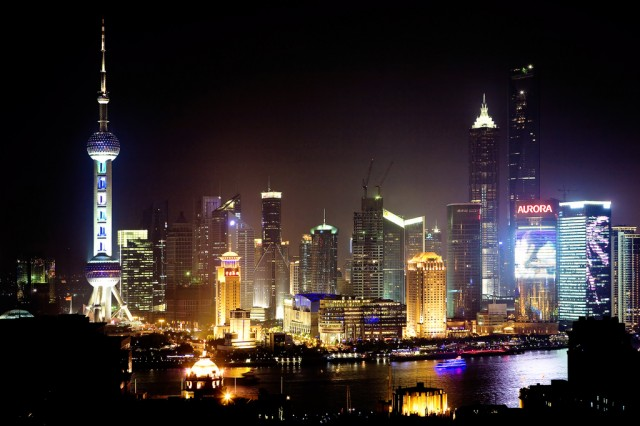 shanghai-pudong-night-skyline-640x426