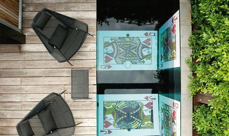 bisazza-glass-mosaic-tiles-pool