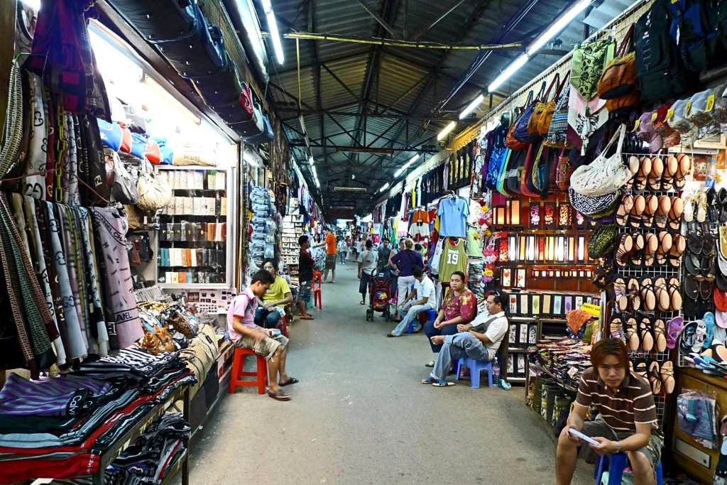 patong-town-market