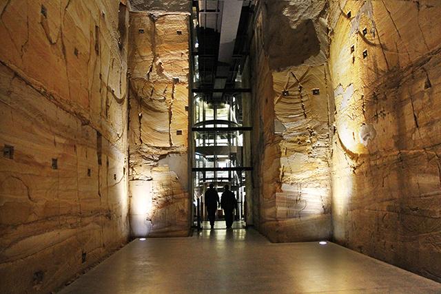 mona-sandstone-walls