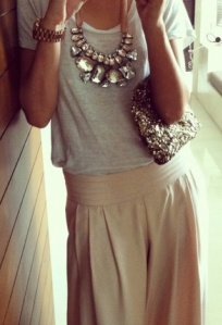 casual_outfit_with_big_statement_necklace-1417