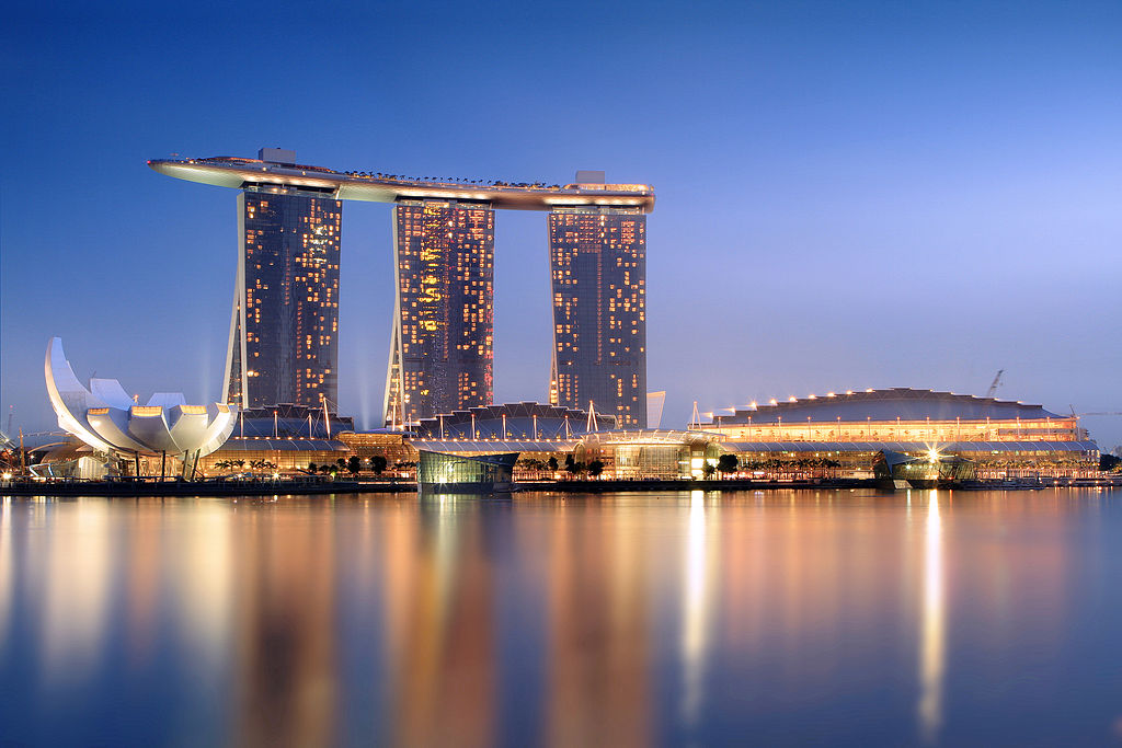 1024px-Marina_Bay_Sands_in_the_evening_-_20101120