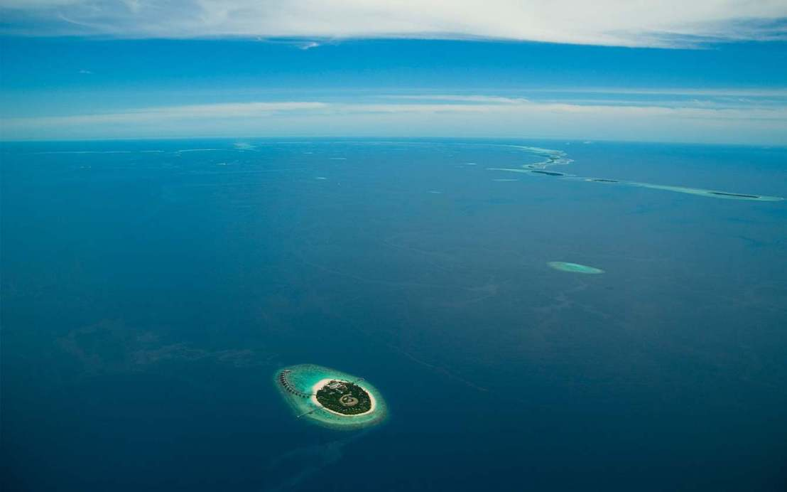 park-hyatt-maldives-exterior-aerial-landscape.jpg.1340x0_default