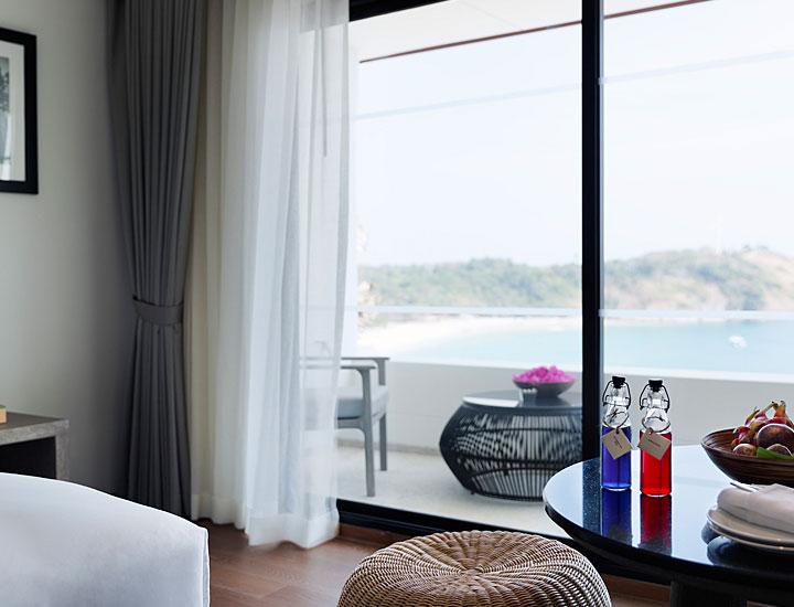 deluxe-ocean-view-room02.jpg