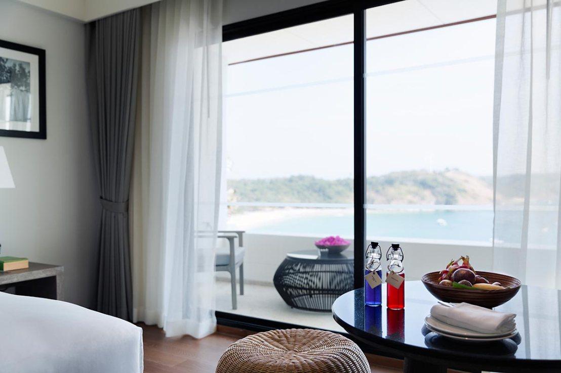 deluxe-ocean-view-room03